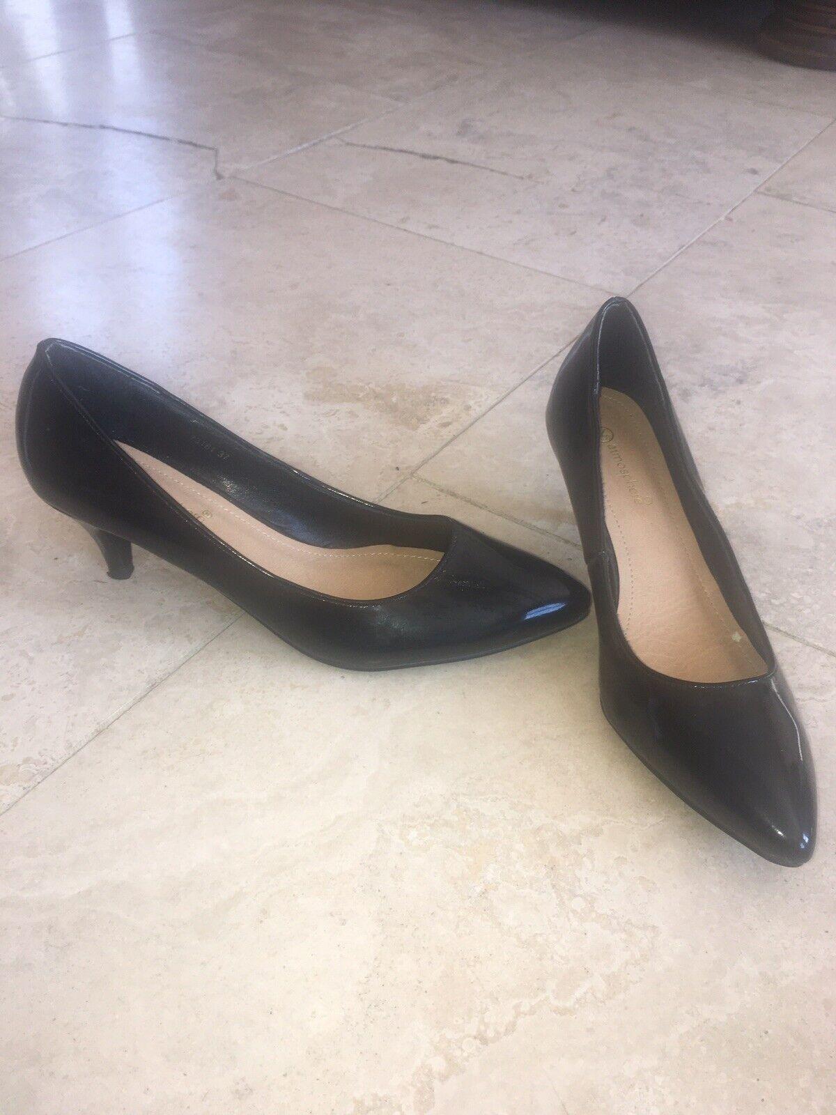 Black Shiny Court Shoes Size 5