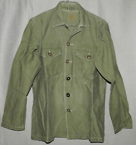 U. S. Army Utility Shirt Cotton Sateen OG-107 Vietnam Era Size Med-Large 1950s