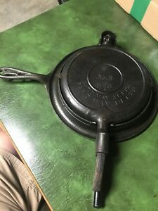 Antique 1901 Cast Iron # 8 Waffle Maker 976 With Base 975 (no name)