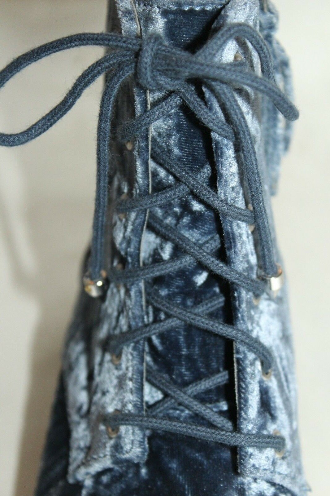 Nuevo  nuevo En En En Caja  Rebecca Minkoff Azul Crushed Velvet Gerry Moto Biker botas de Combate Talla 6 acf727