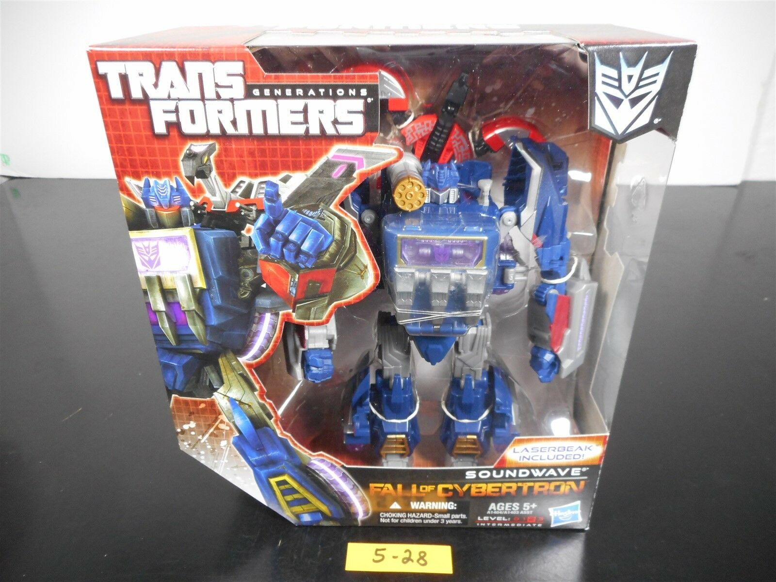 NEW SEALED  TRANSFORMERS GENERATIONS FALL OF CYBERTRON FOC SOUNDWAVE FIGURE 5-28