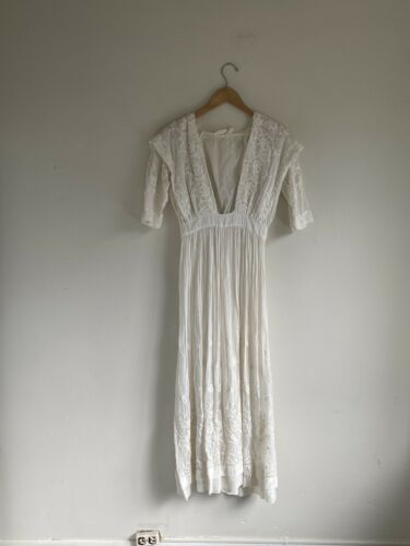 Vintage Antique Edwardian White Cotton Lawn Dress
