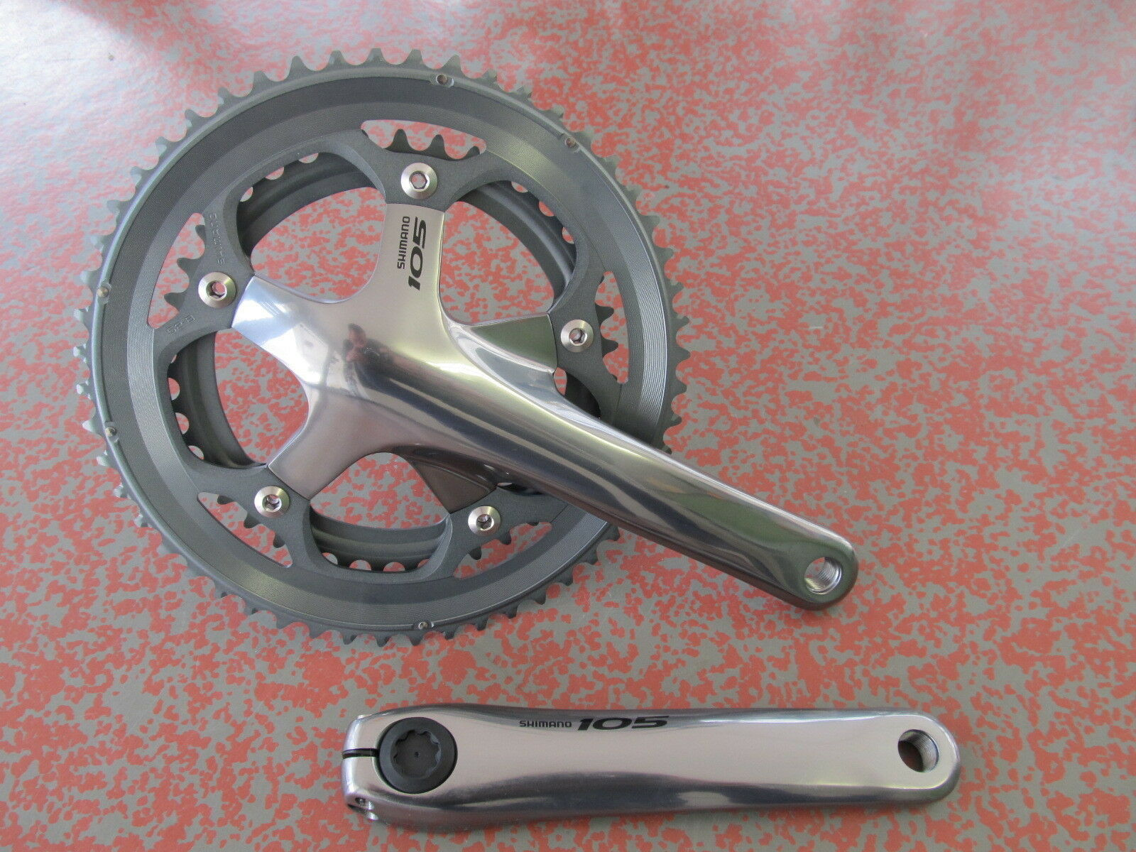 Shimano 105 FC-5600 Kurbelgarnitur  172,5mm 52-39 NEU silver + BSA Innenlager  fast delivery and free shipping on all orders