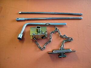 CAMPER-TRAILER-OR-CARAVAN-ETC-SPARE-WHEEL-CARRIER-WINCH-amp-HANDLE-SET
