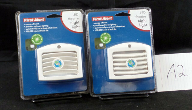 2 First Alert Automatic Theater Style Led Night Lights Model Tlnl11 Brand