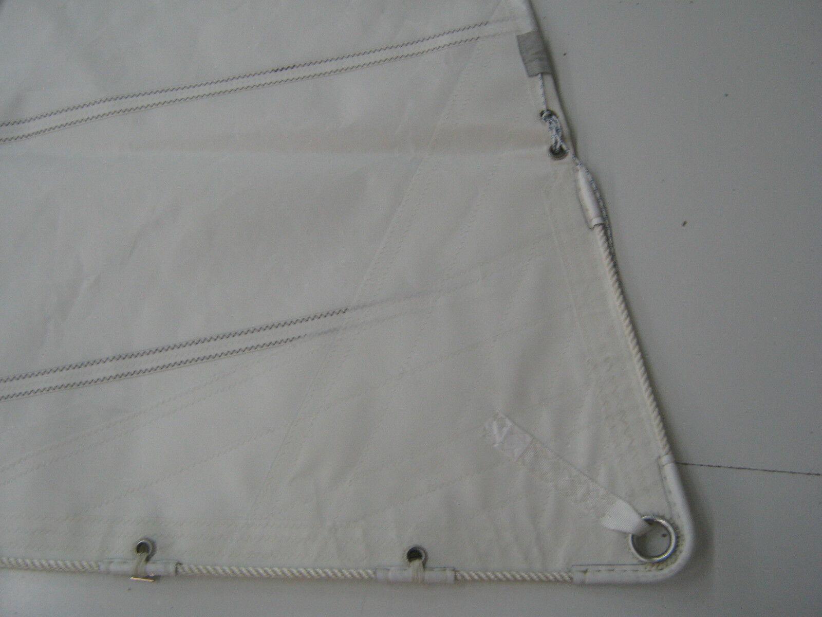 Besansegel, ca. 15,00m², und kurze Latten, T-Schienenrutscher im VL und 15,00m², UL 8d9a88