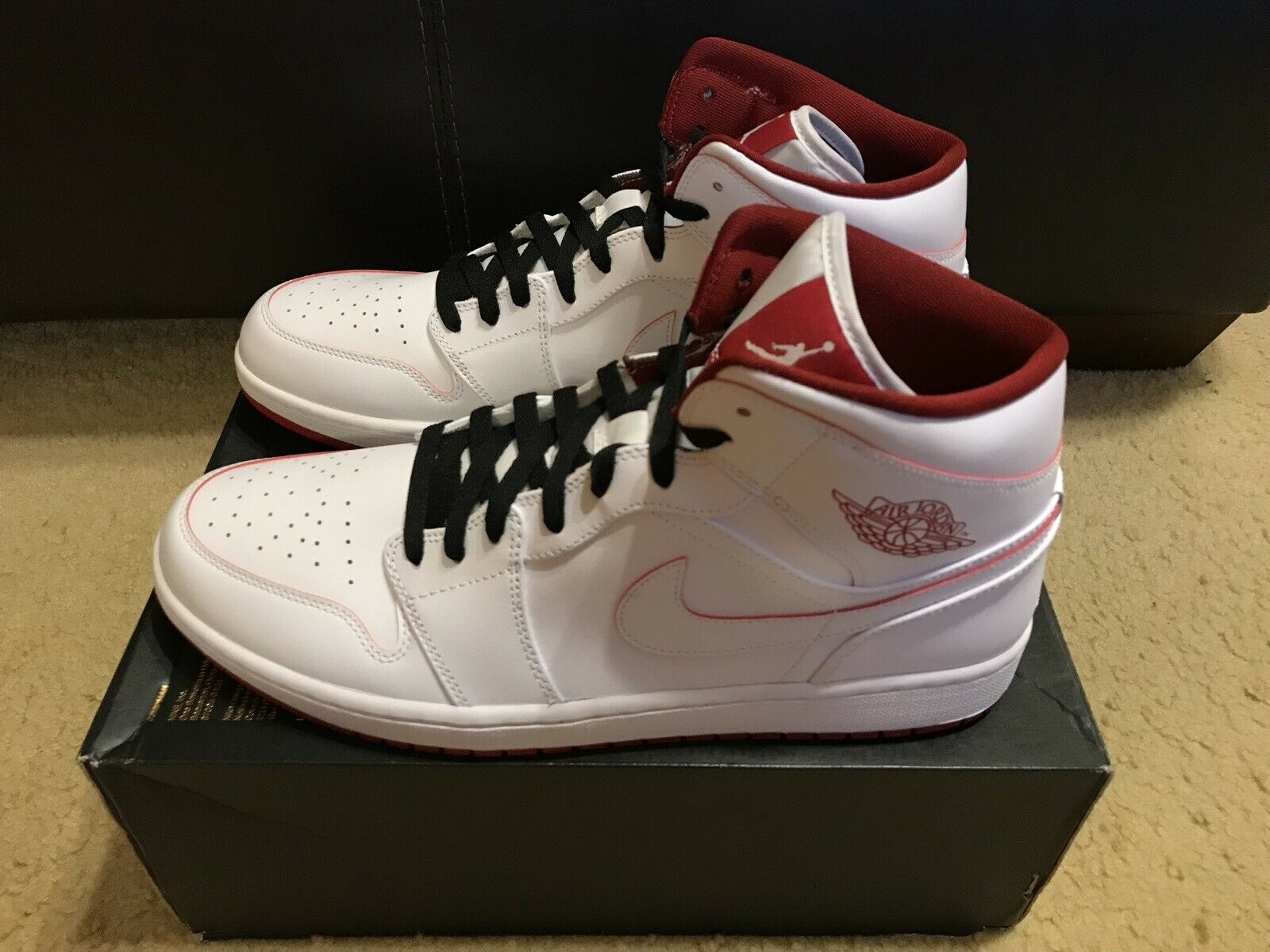 NIKE AIR JORDAN 1 MID Men's sz 13 White  Gym Red Sneakers 554724 103