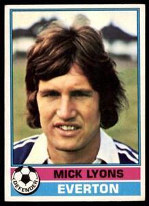 TOPPS 1977 FOOTBALLERS #181-EVERTON-MICK LYONS Verzamelingen