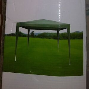 Home Design 9 5 X 9 5 Lawn And Party Gazebo Missing Top White Metal Poles S 64 Ebay