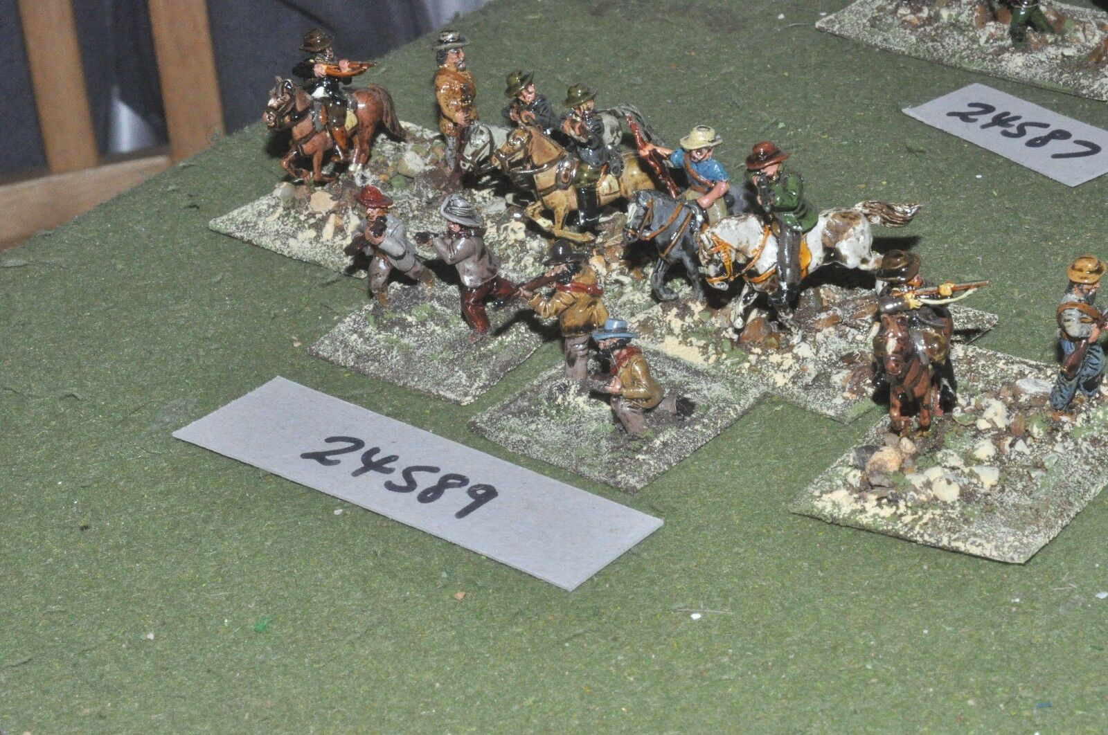 25mm colonial   boers - mounted & dismounted 12 figures - cav (24589)