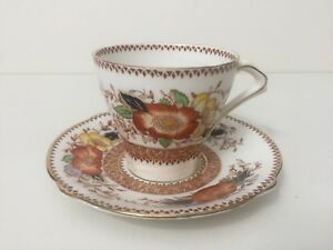 Vintage-Bell-China-English-Bone-China-Tea-Cup-amp-Saucer-Set-Made-in-England