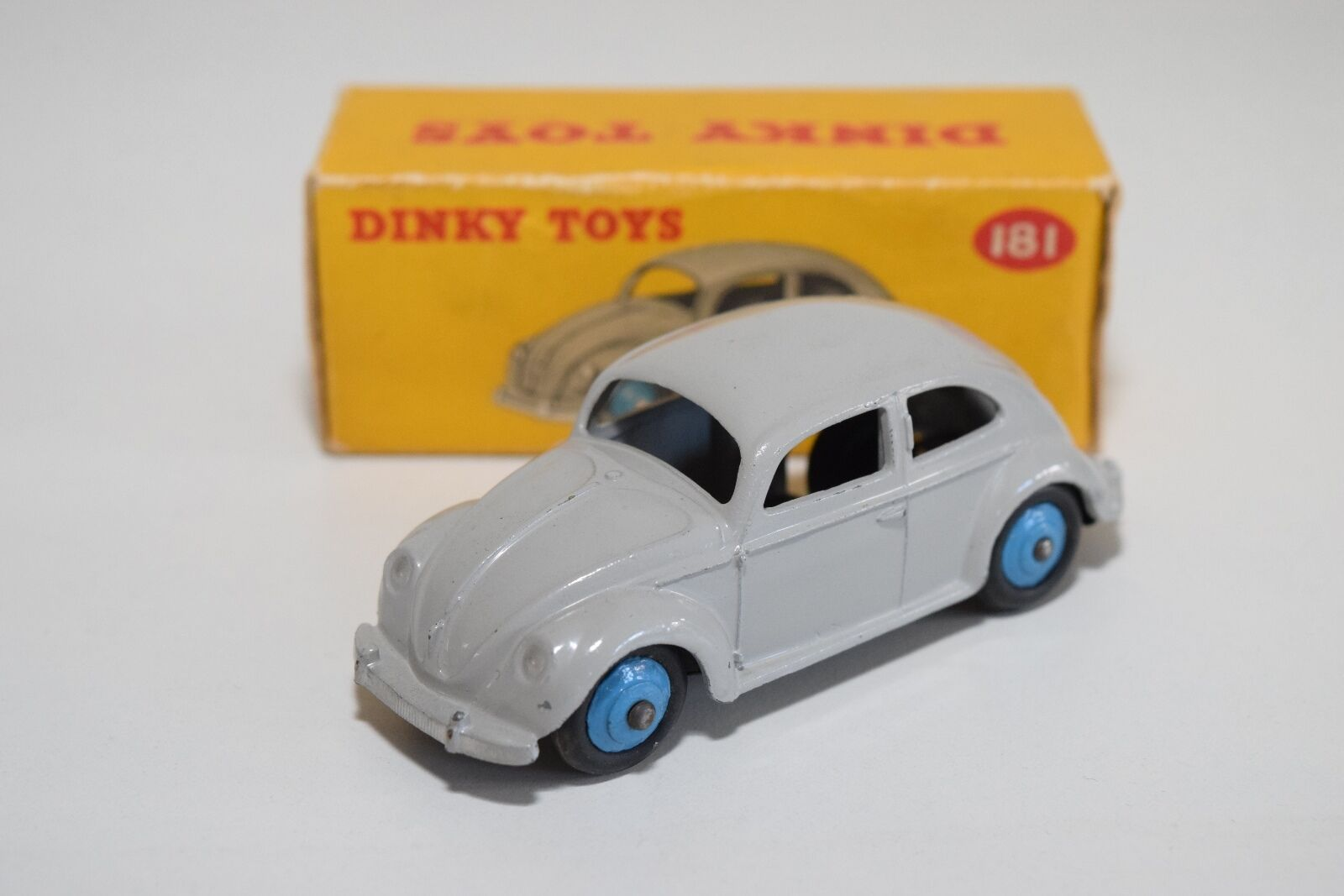 DINKY TOYS 181 VW VOLKSWAGEN BEETLE KAFER Gris NEAR MINT BOXED