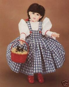 Robin-Woods-vinyl-doll-034-Dorothy-034-from-the-Wizard-of-Oz-VINTAGE-but-NEW-in-BOX