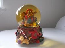 GRANDMA & Baby BEAR SNOW GLOBE MUSIC BOX CHRISTMAS FIGGY PUDDING rocking chair