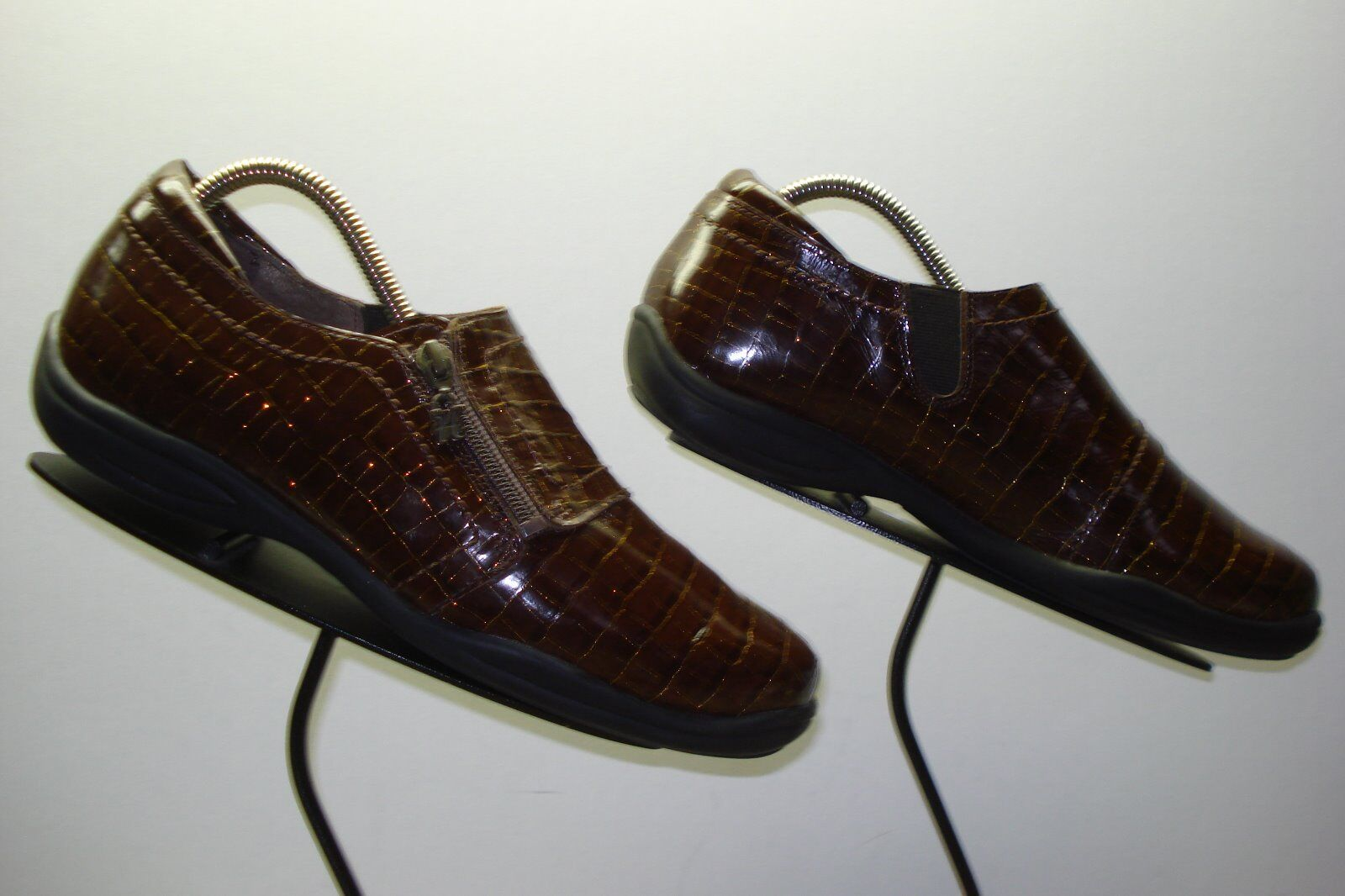 Women's HELLE By ROMU Brown Patent Leather Faux-Croc Side Zip Loafer Sz.10.5 EX.
