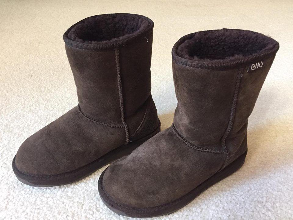 EMU Australia Stinger Lo W10002 Sheepskin Women's Boots Chocolate Brown Size 8