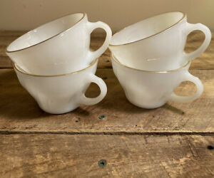 Anchor-Hocking-Fire-King-Swirl-Milk-Glass-Gold-Rimmed-Mugs-Cups-Set-of-4