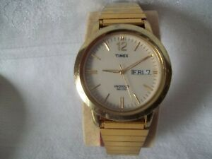 Vintage Timex Indiglo Mens Wrist Watch Stainless Steel W Day Date New Battery Ebay