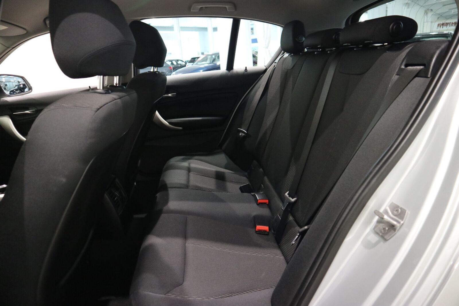 BMW 118i 1,5 Connected aut. - billede 10