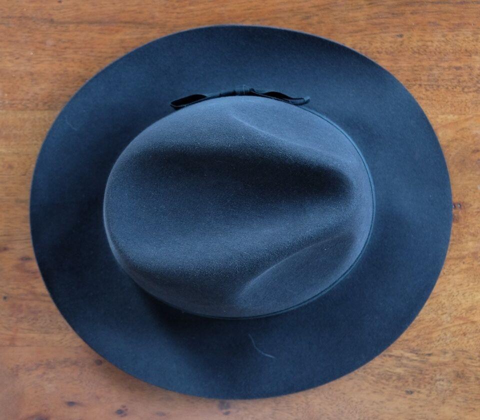 Hat, Christy's, str. 58
