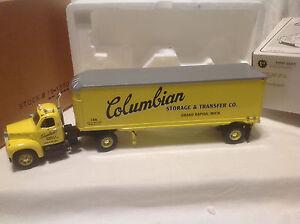 COLUMBIAN-STORAGE-FIRST-GEAR-MACK-1960-MODEL-B-61-TRACTOR-TRAILER-19-1370