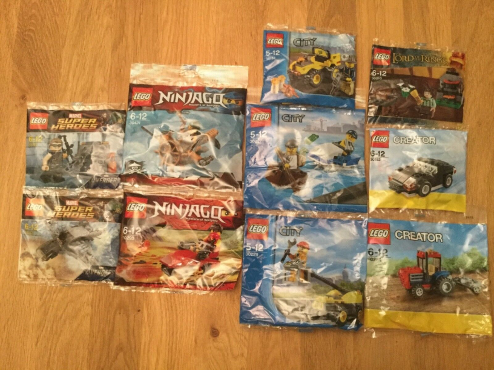 LEGO MINI BUILD KITS - EXCELLENT SELECTION OF 10 NEW SEALED POLYBAGS. BNIP.