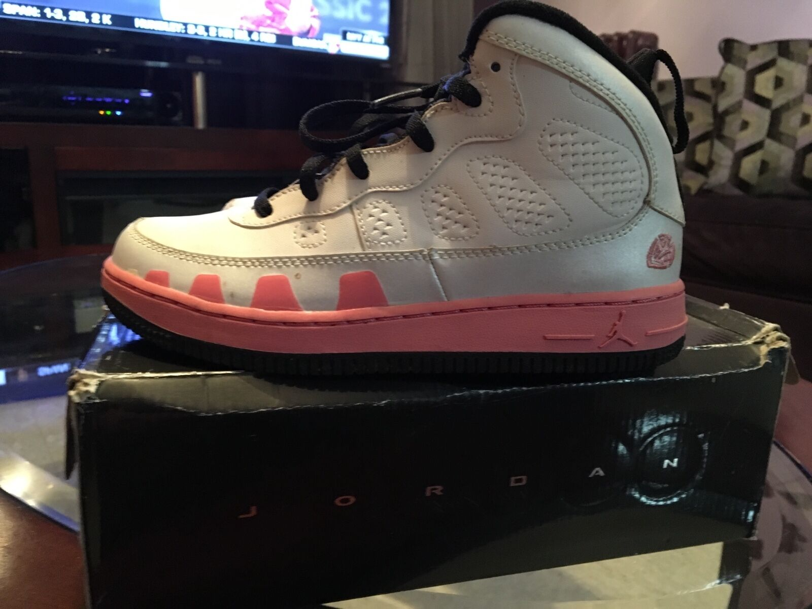 Jordan Fusion 9 pink size 3Y 2009 The most popular shoes for men and women