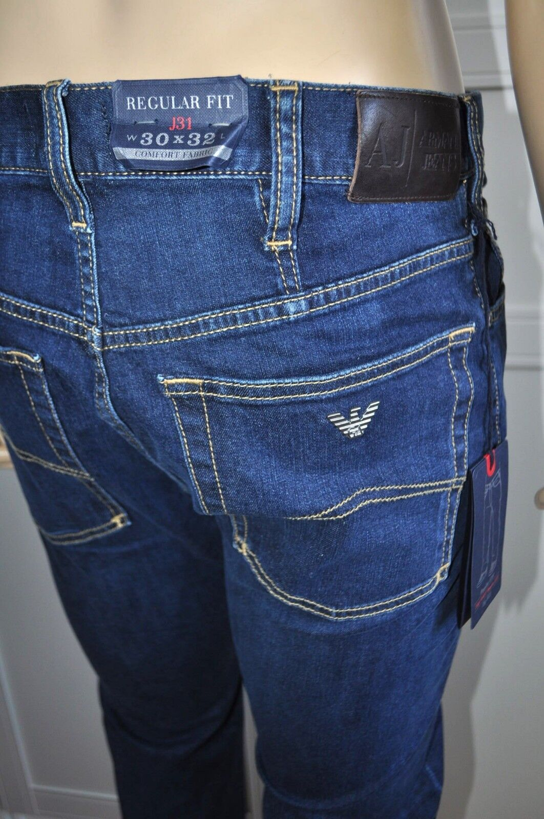 NEW ARMANI JEANS J31 COMFORT FABRIC REGULAR FIT REGULAR LEG MEN`S JEANS Sz 30x32