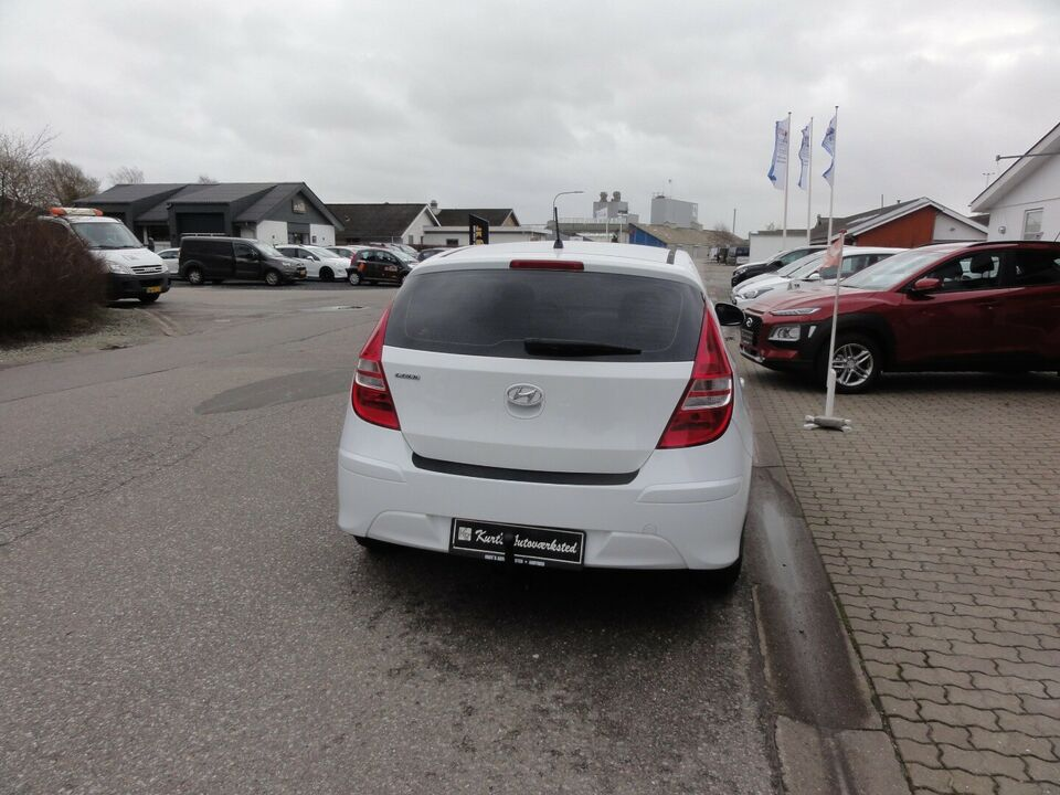Hyundai i30 1,6 CRDi 90 Classic+ Diesel modelår 2010 km