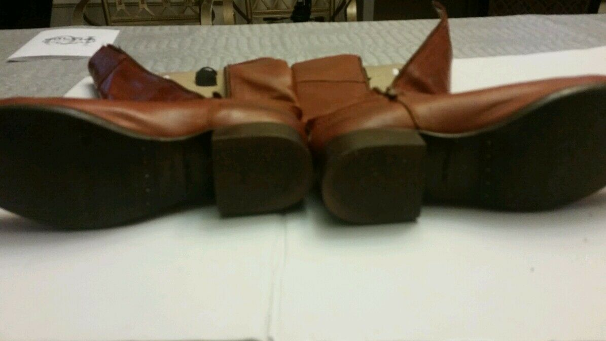 Preowned Frye cognac tan knee high leather boots. Size Size Size 6.5 3b0236