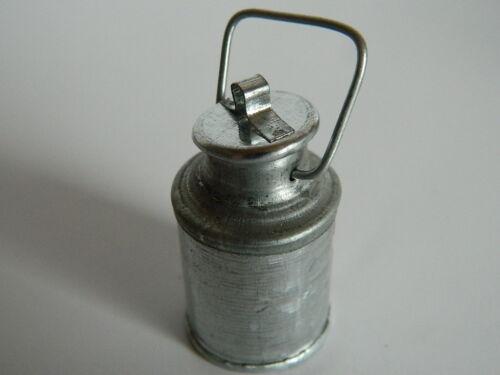 KP1.23 escala 1//12th Casa de Muñecas Metal Rotación de Leche en color plata