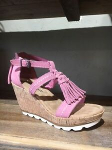 Ladies-Minnetonka-Pink-Suede-Lincoln-Wedge-Sandal