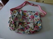 sac à main Bag  Cath Kidston en toile fleurie porté en bandoulière