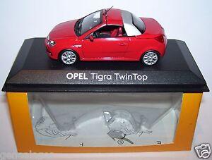 Magnifica-Minichamps-Opel-Tigra-Twintop-2004-Rojo-1-43-IN-Box