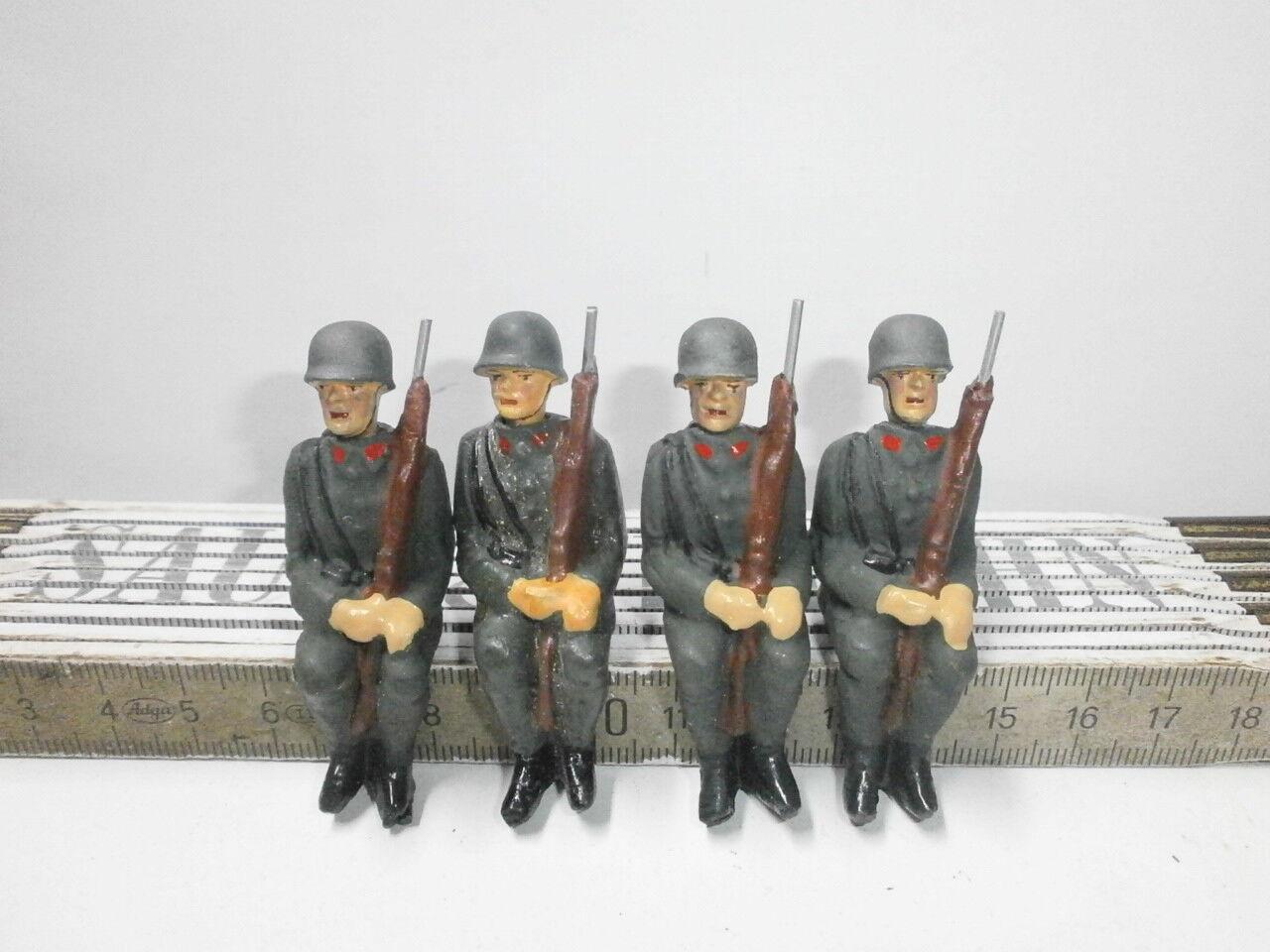Convolute 4 Ground Soldiers for Hausser Elastolin Motor Vehicles u. Teams