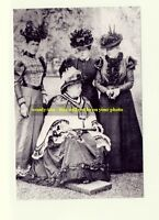 mm174 - Queen Victoria & daughter Beatrice & others  group - photo 6x4