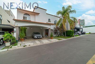 Casa en venta en fraccionamiento centro sur Querétaro