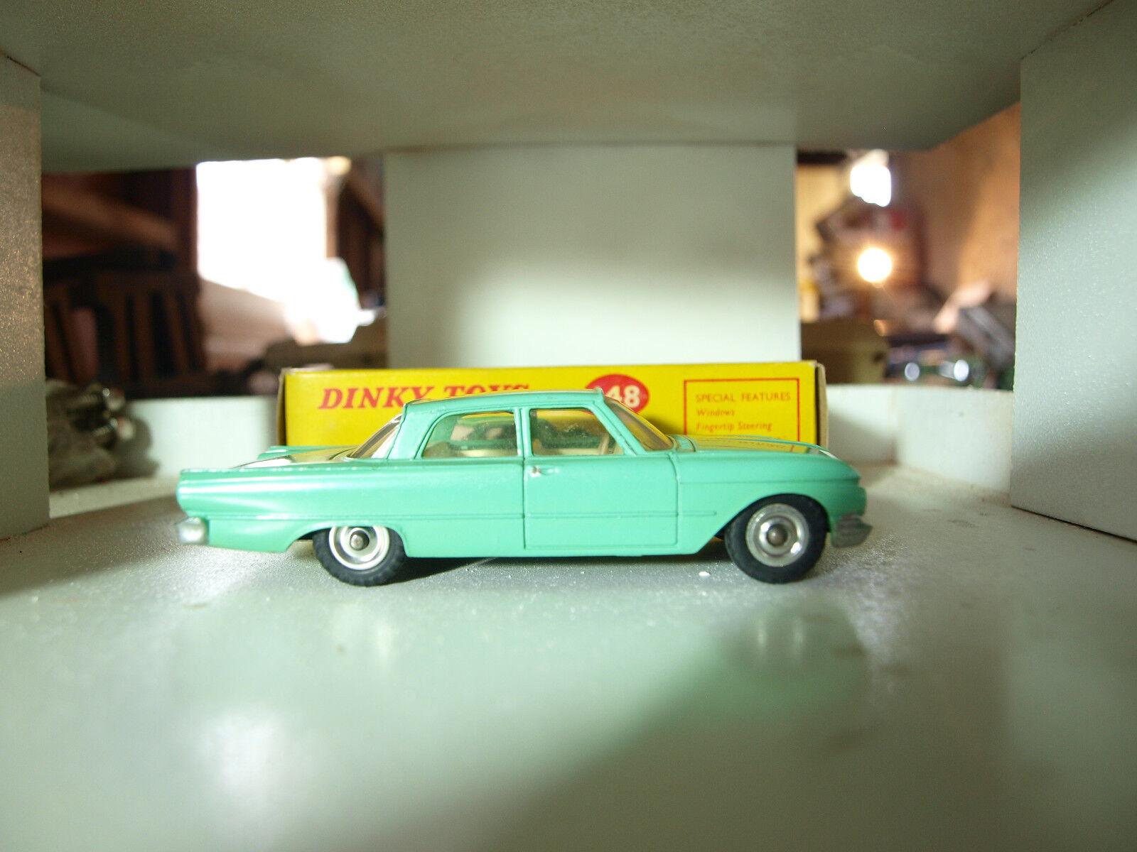Vintage Dinky Ford Fairlane No.148. completo Con Caja Original.
