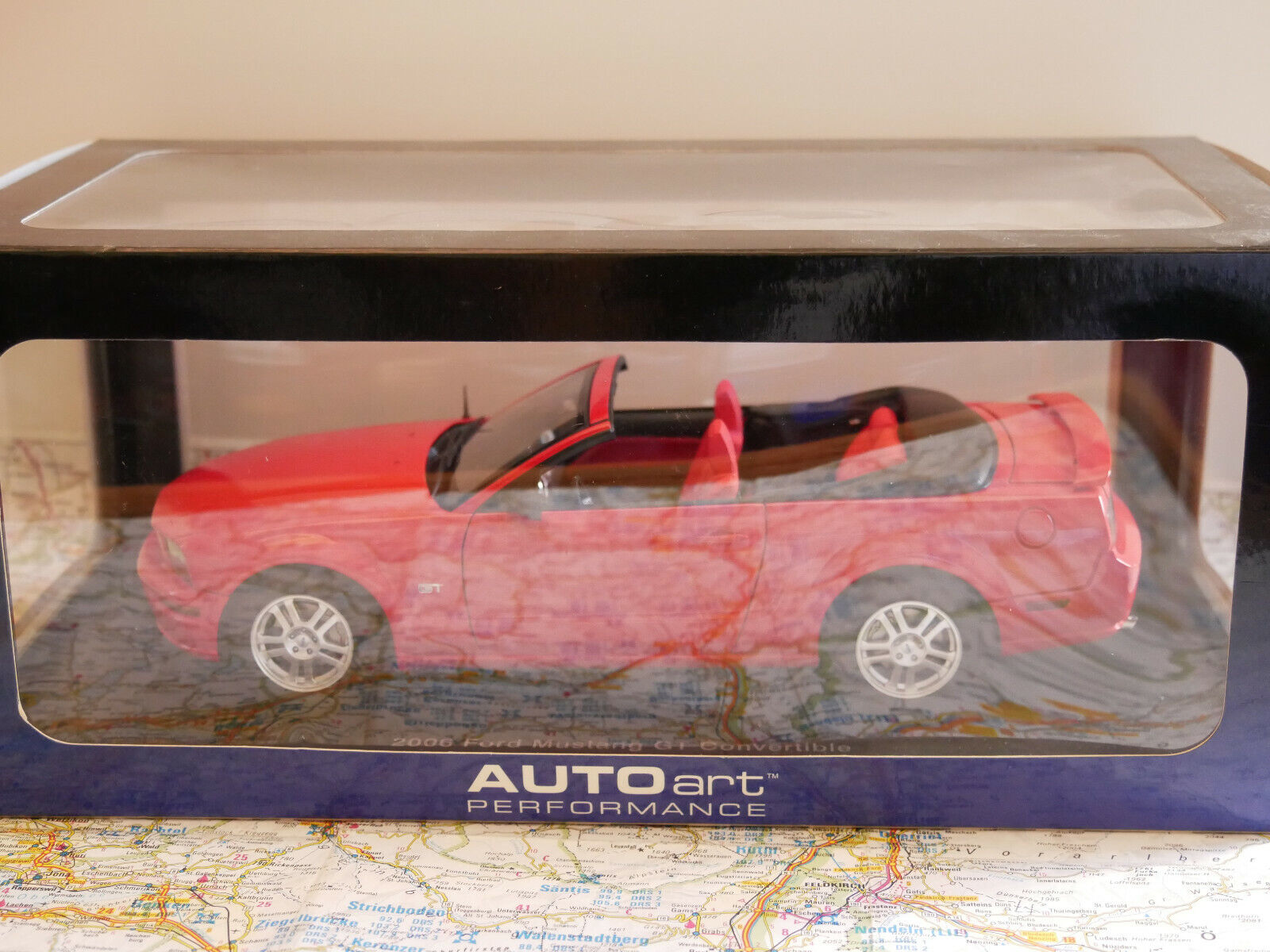 AUTOART 2006 FORD MUSTANG GT CONverdeIBLE rosso ART.73061 1 18  nuovo