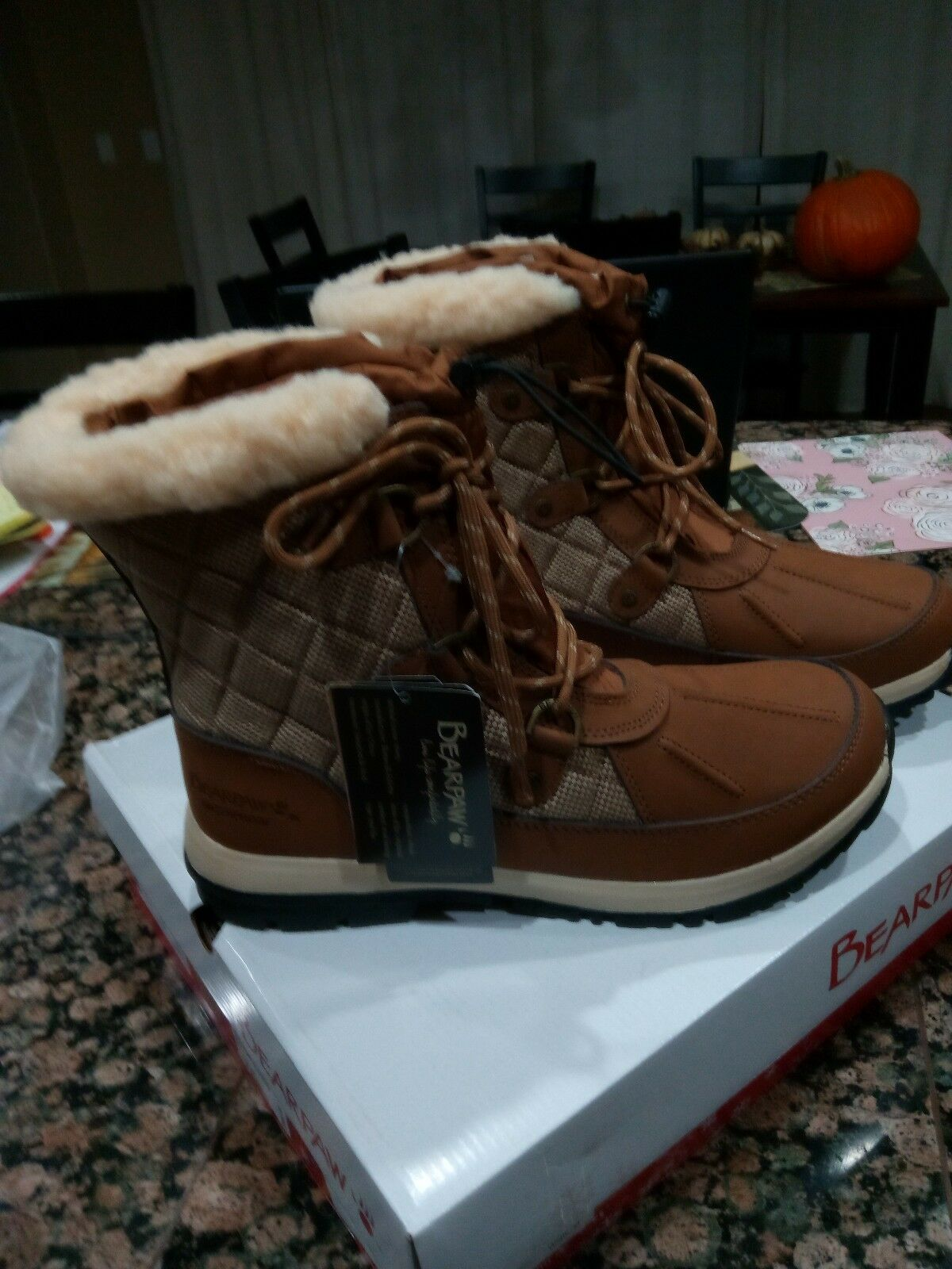 BearPaw Bethaney Womens Size 10 Brand New Boots.? Tan Color.? Medium width.