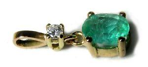 Dije de oro 18 cts con esmeralda y diamante. Naturales sin tratar