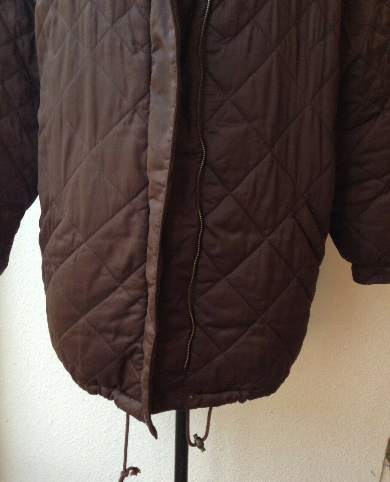 BILL BLASS QUILTED DOWN FILLED PUFFER COAT, KNEE … - image 3