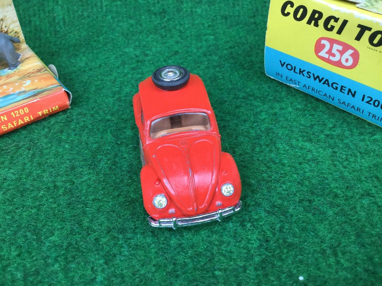 Corgi Toys no. 256 Volkswagen VW 1200 in in in East African Safari Trim Boxed 701de6