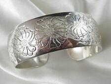 Vintage S Kirk & Son Sterling Silver Cuff Bracelet Aster Flower Pattern 38.4 gr