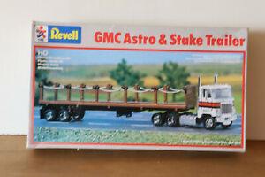 Revell-HO-GMC-Astro-amp-stake-trailer-unbuilt