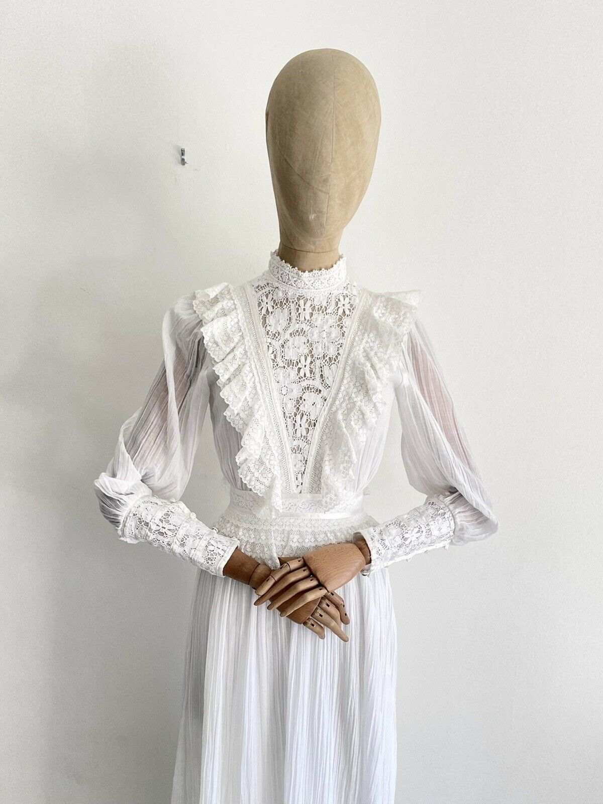 Vintage GUNNE SAX White Cotton Prairie Maxi Dress… - image 3