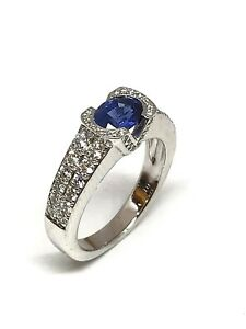 Bague-en-or-18-carats-diamants-naturelles-et-saphir-ovale