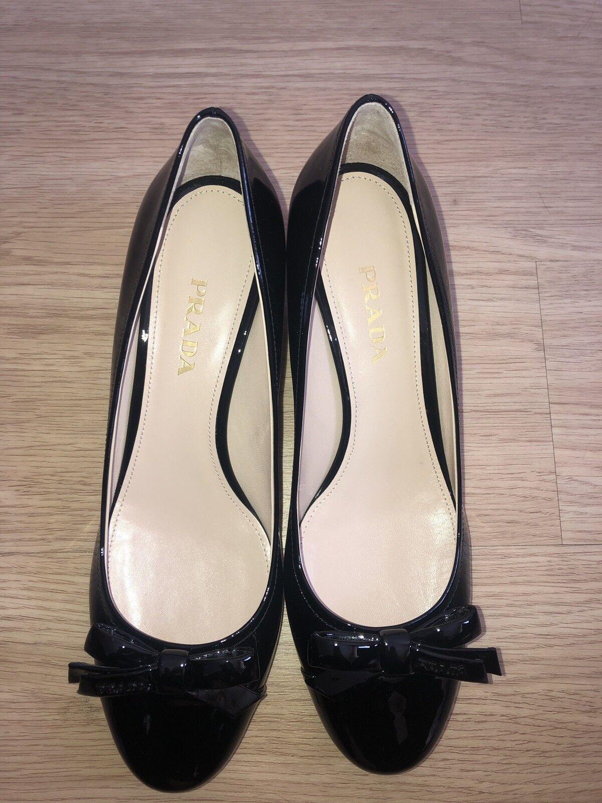 Prada Pumps Gr. 41 Damenschuhe Abendschuhe Abendschuhe Abendschuhe Schuhe schwarz Lackleder NEU d8b67e