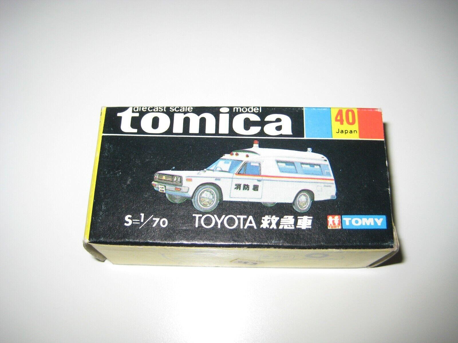 Tomica 40 1 70 - Ambulancia Toyota