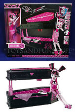 NEW - Monster High JEWELRY BOX COFFIN & DRACULAURA DOLL - Transforms into Bed